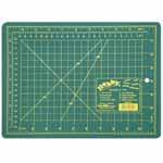 Single ply. Double-sided mat includes both imperial and metric on gridded side and a blank cutting surface on the other side. Self-healing. Convenient 45° and 60° markings. Mat: 8 3/4″ x 11 3/4″ (22 x 30 cm). Grid:  8″ x 11″ (20 x 28 cm)