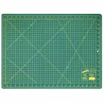 Single ply. Double-sided mat includes both imperial and metric on gridded side and a blank cutting surface on the other side. Self-healing. Convenient 45° and 60° markings. Mat: 17 3/4″ x 23 5/8″ (45 x 60 cm). Grid:  17″ x 23″ (43 x 58 cm)